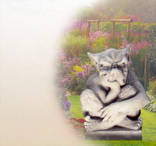 steinfiguren als gargoyle gartenskulpturen gartenfiguren steinskulpturen fotos. Black Bedroom Furniture Sets. Home Design Ideas