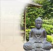 Buddha Figuren Duduk: Ein Buddha in stiller Meditation
