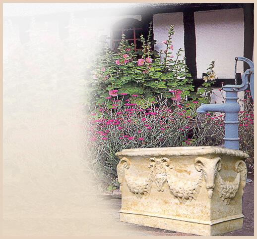 Pflanzkübel aus Terrakotta für den Garten online im Shop kaufen